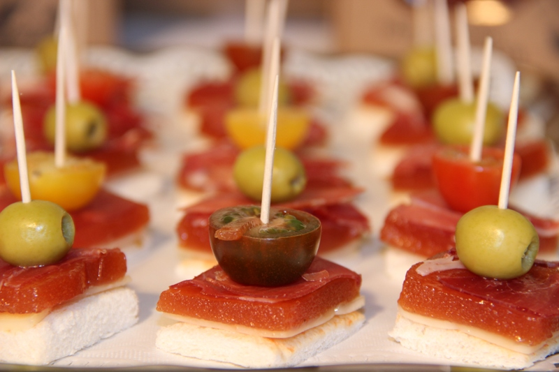 Recetas con membrillo valliser for Canape de jamon y queso