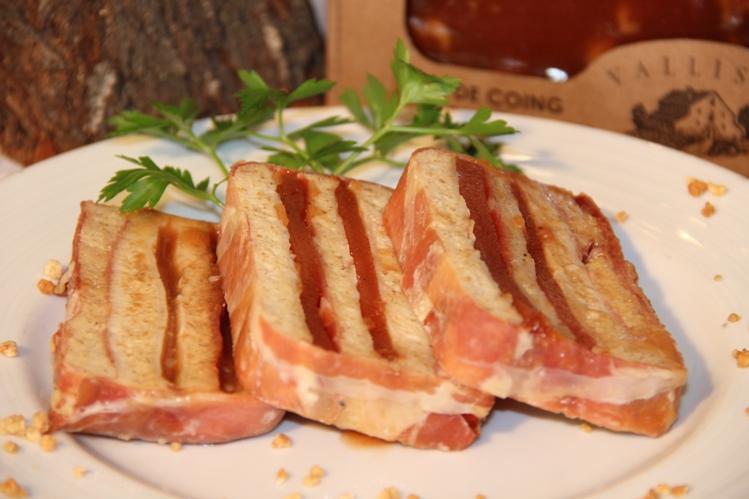 Pastis Salat de pa integral amb pernil formatge i codonyat (53)