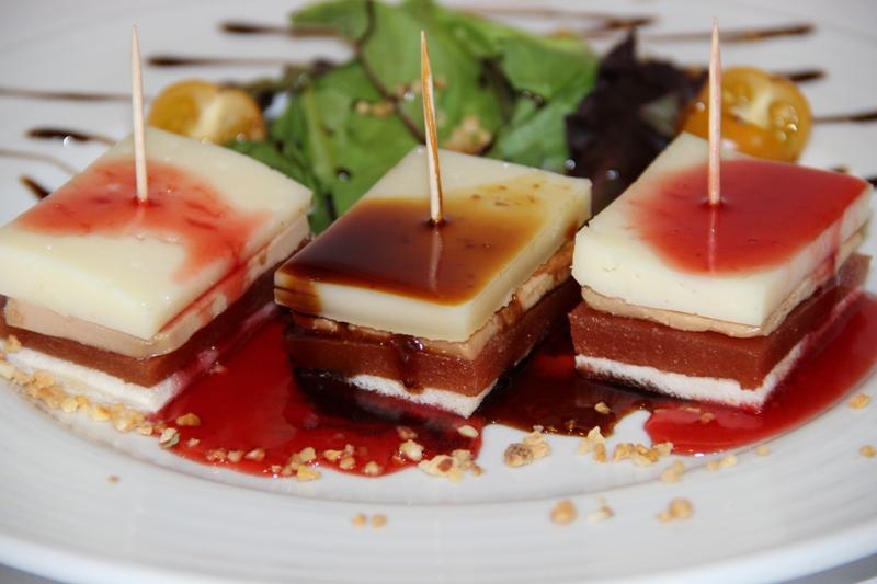 Montadito de membrillo con foie y queso tierno (8)