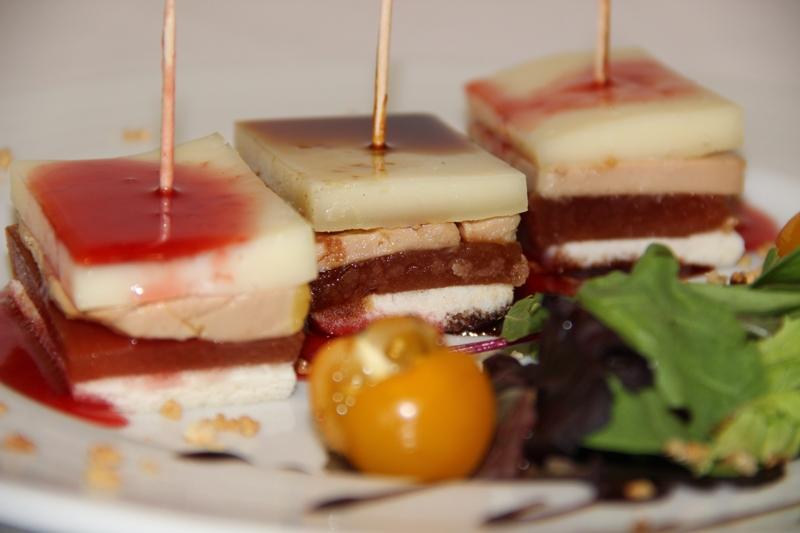 Montadito de membrillo con foie y queso tierno (34)