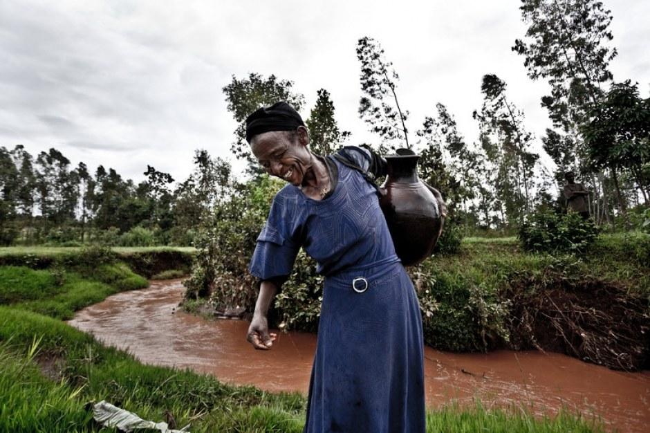 Oxfam Transforma ayuda en el desarrollo de un programa para mejorar el acceso al agua potable