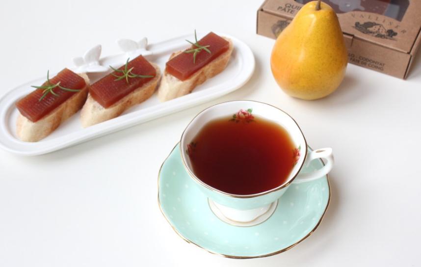 Un té acompañado con membrillo Valliser
