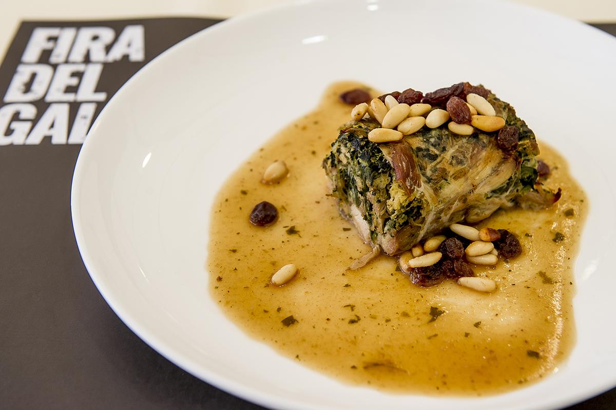 Un plato elaborado con Gall del Penedés