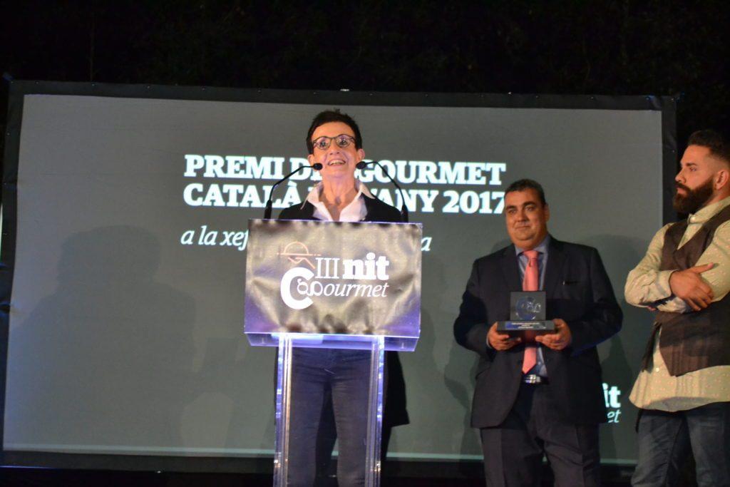 Carme Ruscalleda proununciant un discurs al rebre el Premi Gourmet Català de l'Any